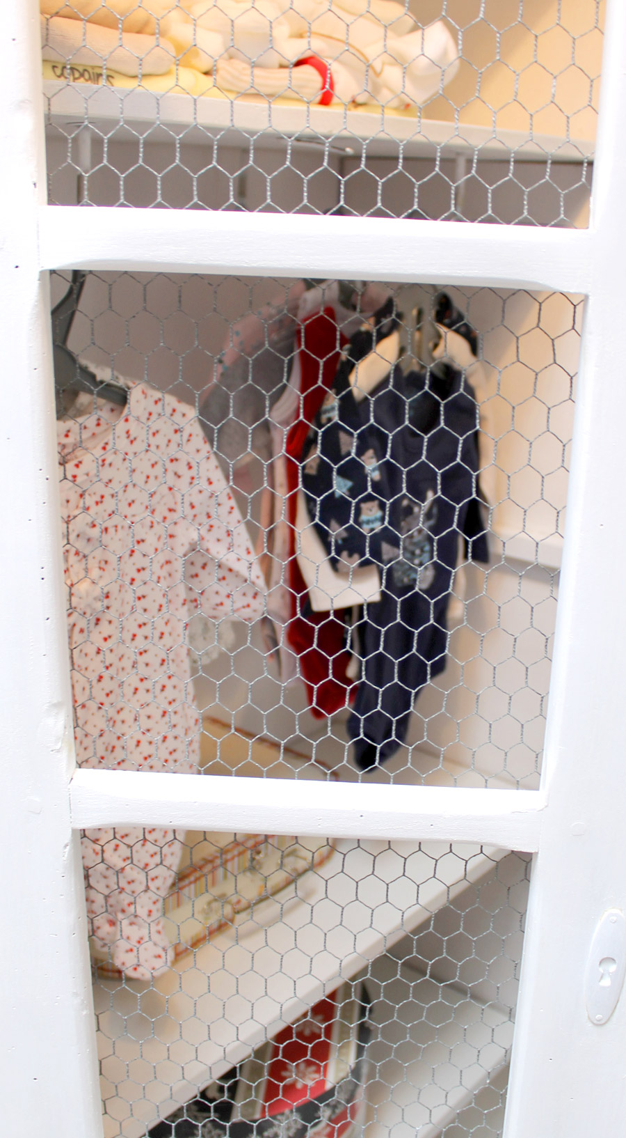 vielle armoire pour enfant