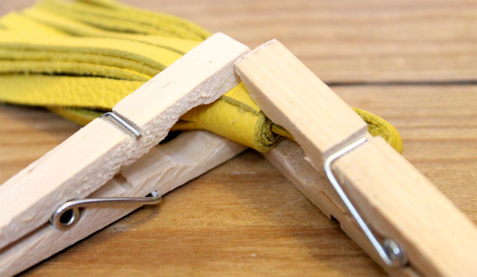 fabriquer un pompon en cuir