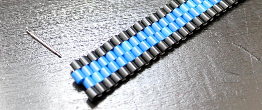 bracelet et entre corne de montre