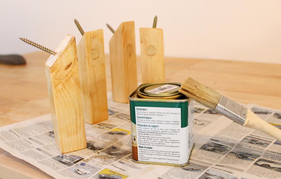 tasseaux en bois vernis