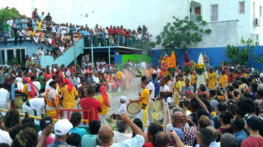 marche sur le feu - Fête hindou de l'ile de la reunion