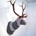 tête de cerf en tricot