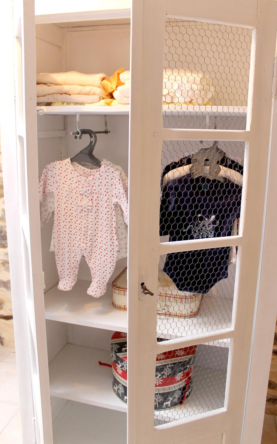 restaurer vielle armoire enfant redonner vie un meuble vitage. Black Bedroom Furniture Sets. Home Design Ideas